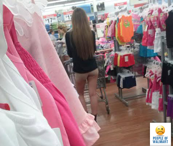 Nude chicks in walmart — photo 11